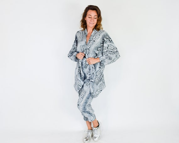 1980s Snake Print Pant Suit | 80s Gray Reptile Pa… - image 6