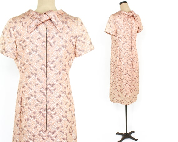 1960s Peach Brocade Dress | 60s Pink Metallic Bro… - image 3