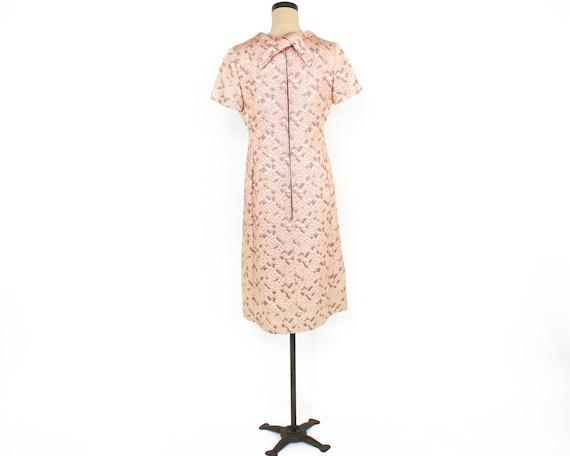 1960s Peach Brocade Dress | 60s Pink Metallic Bro… - image 4