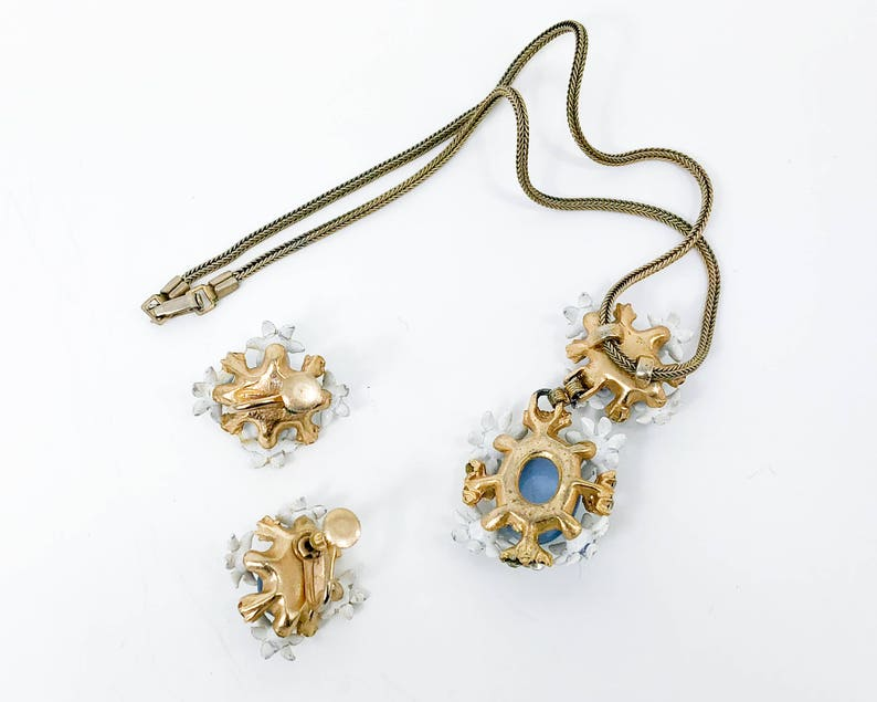 Blue Cabochon /& Rhinestones Pendant Necklace 50s Blue Flowers Necklace  Earrings Set