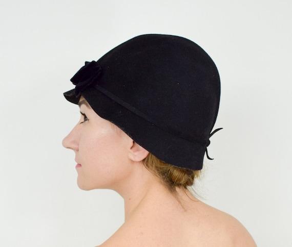 1930s Black Felt Cloche Hat   30s Black Wool Cloch