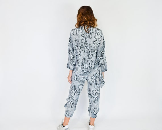 1980s Snake Print Pant Suit | 80s Gray Reptile Pa… - image 5