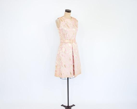 1960s Pink & Gold Metallic Brocade Dress | 60s Pi… - image 2