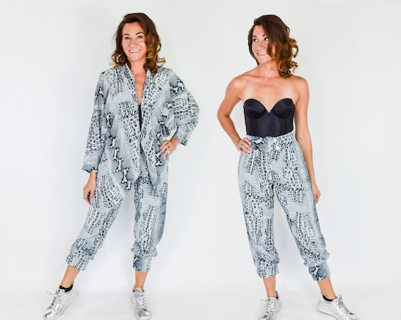 1980s Snake Print Pant Suit | 80s Gray Reptile Pa… - image 3