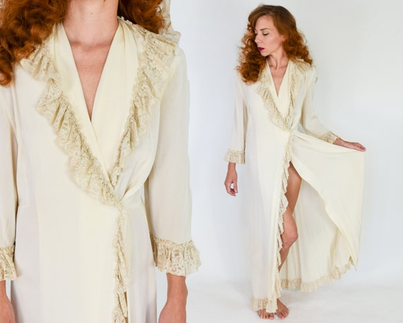 1940s Creme Dressing Gown | 40s Beige Lounging Rob