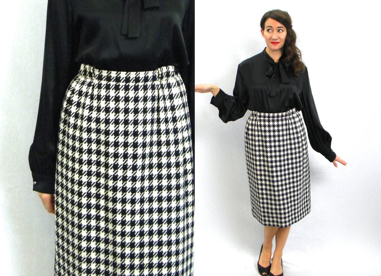 9eed18d540353 80s Black   White Skirt Houndstooth Wool Skirt Yves Saint