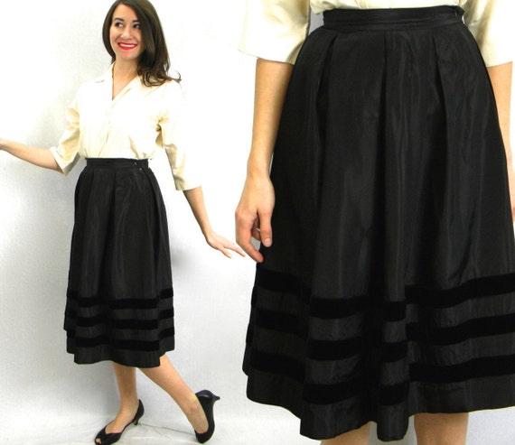1950s Black Taffeta & Velvet Full Skirt | 50s Blac