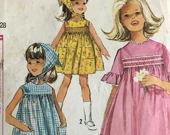 Vintage cut simplicity 5947 wardrobe vinyl dolls