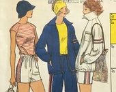 Vogue 9165 Pattern UNCUT 1970s Vintage Sportswear Raglan Sleeve T-Shirt Shorts Pants Zipper Front Jacket Pointed Collar Size 10 Bust 32.5