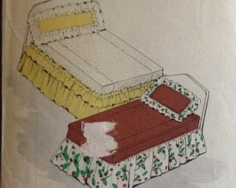 Advance 7534 - 1940s or 50s Decorator Pattern for Ruffled Coverlet or Bed Spread - Twin Size