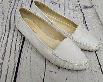 209c10bdc41 1990s Amanda Smith white 90s loafers size 9 US