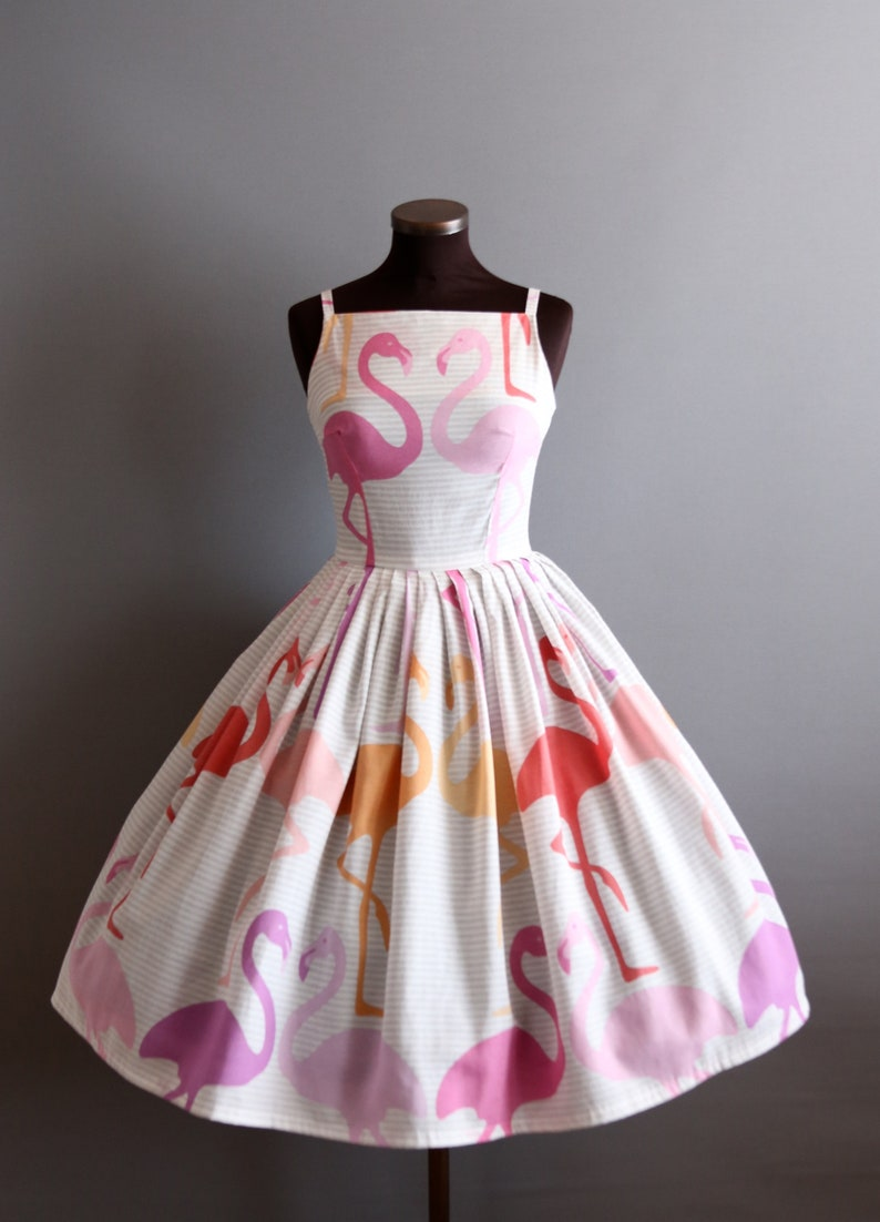 1950s Style White Pink Orange Red Flamingo Novelty Print Full Pleated Skirt Cotton Dress XS