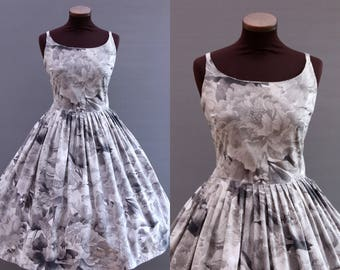 1950s Style Grey Floral Print Full Pleated Skirt Cotton Dress