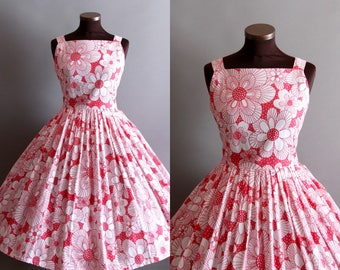 1950s Style Red and White Floral Print Full Pleated Skirt Cotton Dress