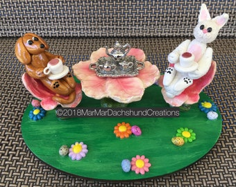 Tea with the Easter bunny Doxie m/Dachshund figurine