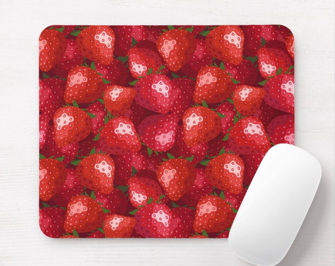Strawberry Print Mouse Mouse Pad, Bright Red, Green & White Watercolor Mousepad