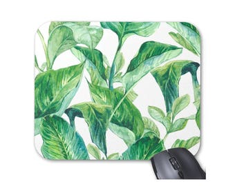 Watercolor Leaves Print Mouse Pad, Bright Green & White Colorful Mousepad