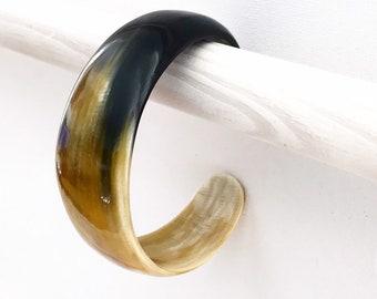 """Bracelet """"Cornetine Beige"""" bovin• Horn Collection nobility • sale solidarity for Haiti•"""