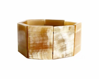 Bracelet cow horn Bull Haiti Design • White • beads mounted on elastic link • sale Caritative & supportive favor Haiti