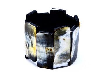 Geometric bracelet D design Horn Haiti • link stretch •Handmade by Haitian artisans charity • •
