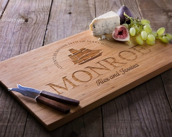 Personalized cutting board, custom bamboo chopping board, cheese and wine wooden board 32x22cm by TreeX