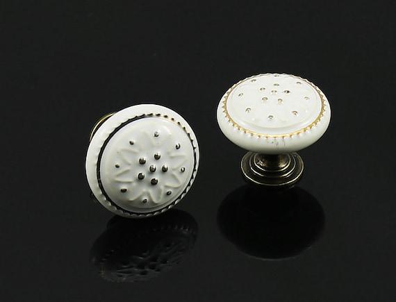 poign es de boutons en c ramique bouton commode tiroir etsy. Black Bedroom Furniture Sets. Home Design Ideas