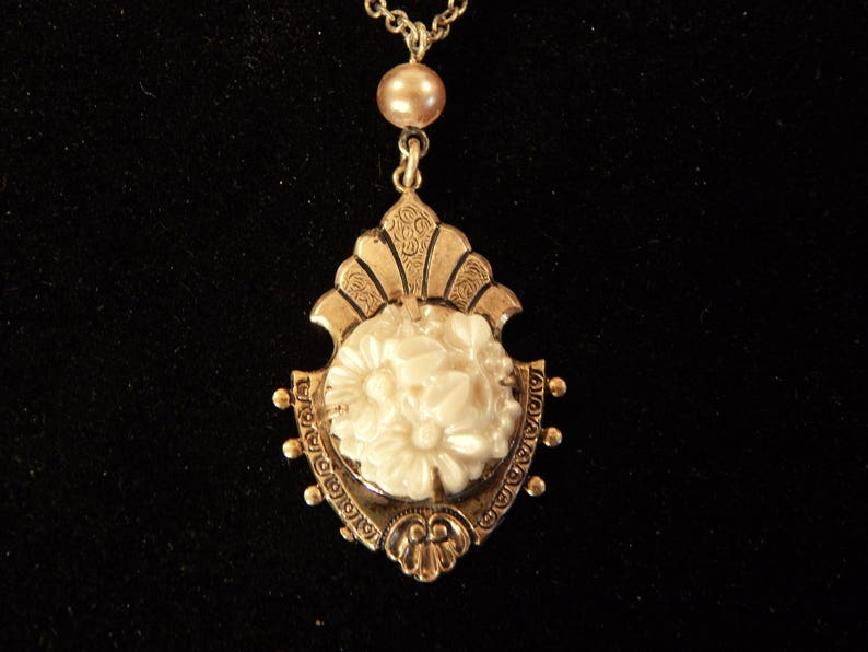 BFS-REGENCY 14K Gold Fan and Floral Pendant with Carved Ivory Chrysanthemum Bouquet Center and Cultured Pearl Accent