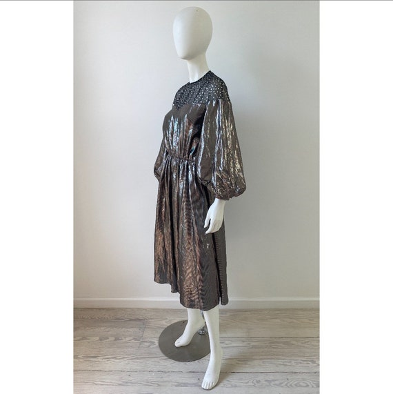 Vintage 1980s Dress / 80s Silver Lamé Balloon Sle… - image 7