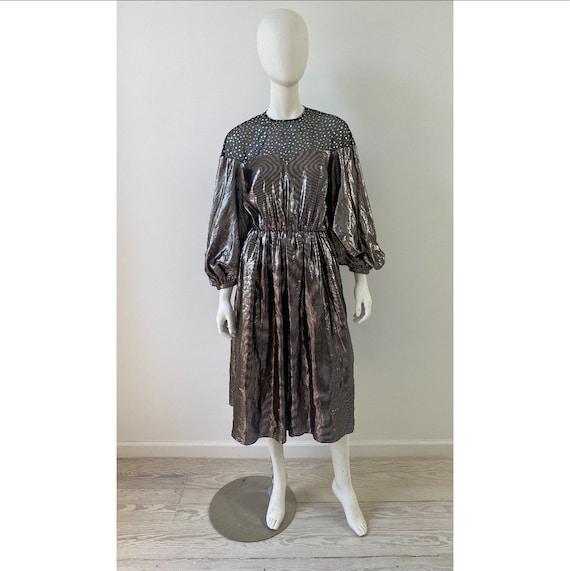 Vintage 1980s Dress / 80s Silver Lamé Balloon Sle… - image 2