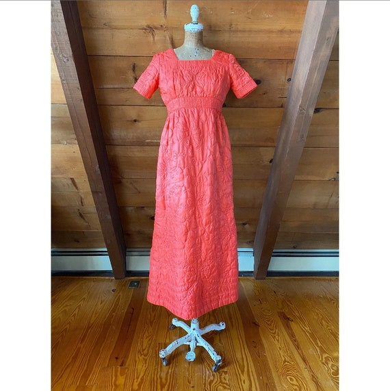 Vintage 1970s Dress /70s Coral Quilted House Dress