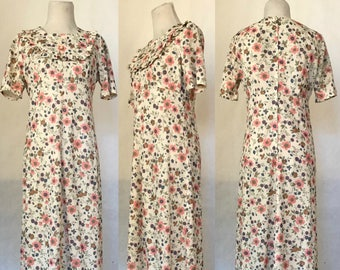 Vintage 70s Handmade Cream White with Pink, Blue & Green Floral Print Long Maxi Dress / Short Sleeves / Women's Size Medium