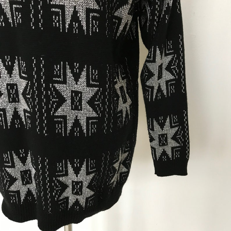 Vintage 80s-90s Broadway Connection Black /& Metallic Silver Extra Long Acrylic Knit Sweater  Women/'s Size Large  Free US Shipping