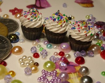 Cupcake Charm/Zipper Pull