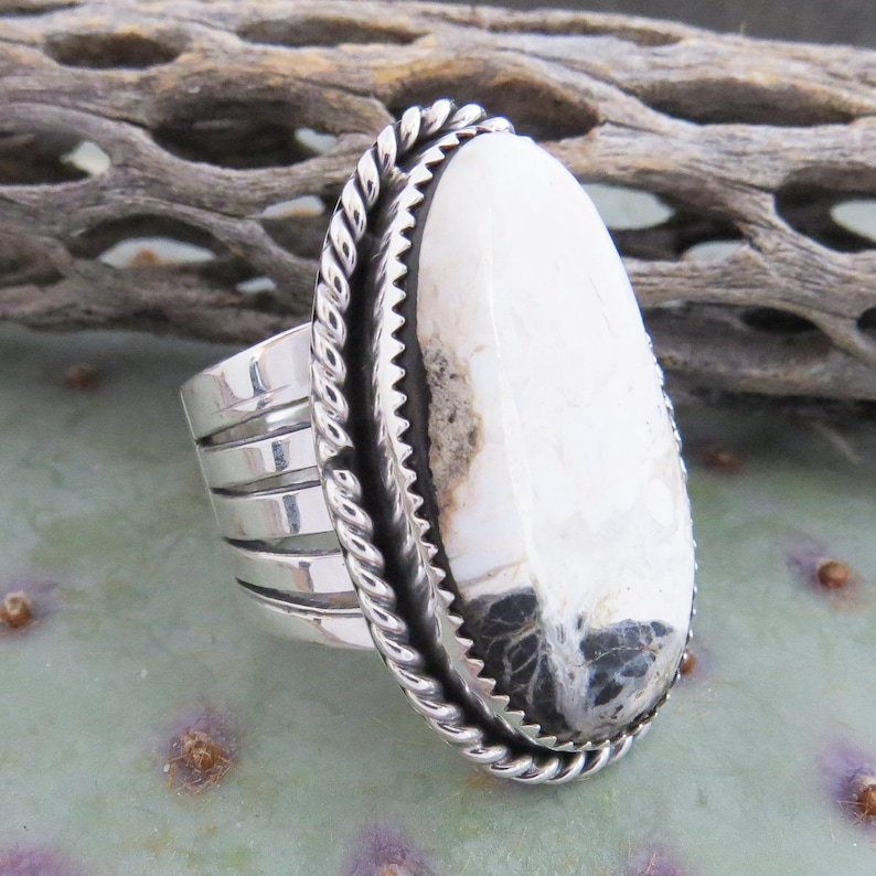 Men/'s Native American Silver White Buffalo Turquoise Ring Size 11 12 Made in the USA