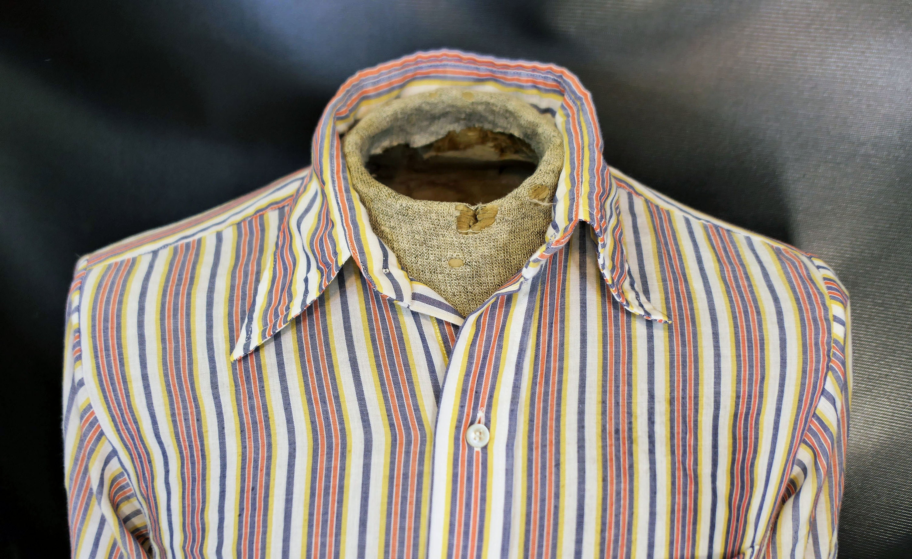 1970s Mens Shirt Styles – Vintage 70s Shirts for Guys Vintage Mens Squire Elbeco Blue Red Yellow Striped Dress Shirt Size 1960s 1970s Large $0.00 AT vintagedancer.com