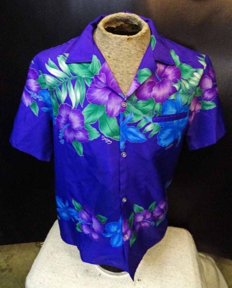 Vintage Men/'s Helena/'s Purple Green Floral Hawaiian Short Sleeve Shirt Size Large!