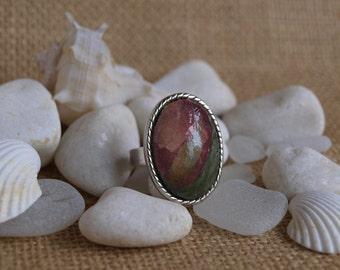 pink & green ring
