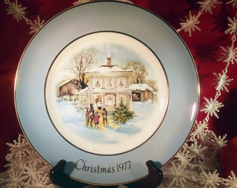 avon christmas plate 1977 carollers in the snow perfect holiday home decor