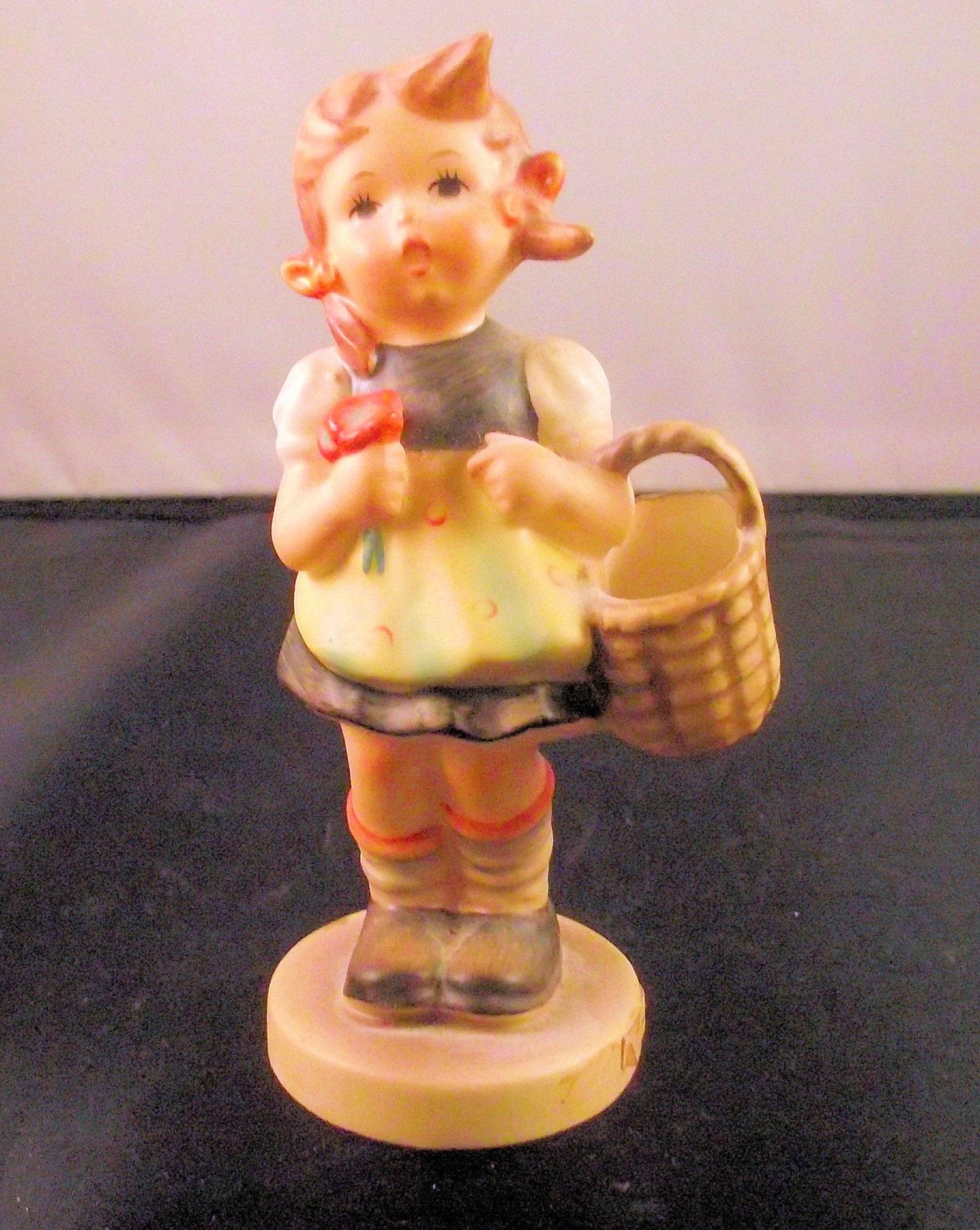 Hummel Figurine Sister 98/2/0