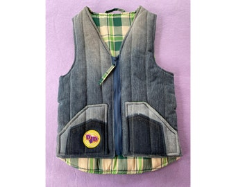 Kids denim quilted gilet  age 7-8 • vintage fabrics • slow fashion • one-of-a-kind • recycle revolution