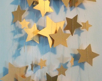 Gold Star Holiday Christmas Garland Shimmer Metallic Paper   Mixed Sizes   Home or Office Decor