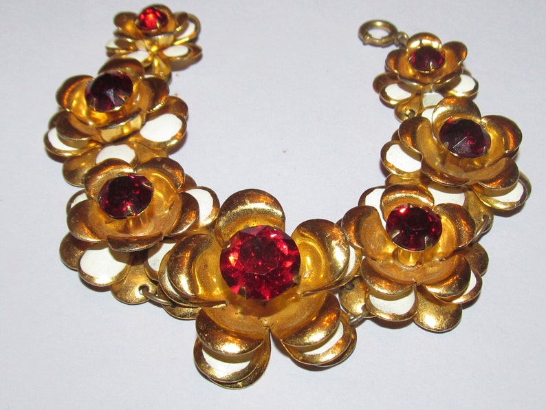 Vintage Gold Tone Flower Necklace with Red Rhinestones