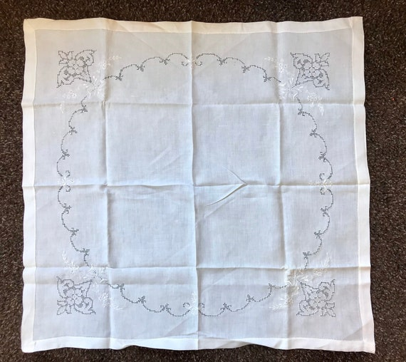 Antique embroidered tablecloth, White Linen Antiqu