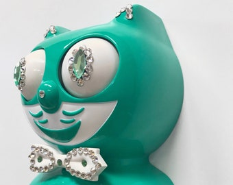 Limited Edition! Official GREEN BEAUTY Kit Cat Clock Gentlemen Male Boy Emerald Turquoise Jeweled Swarovski Crystals Kit Kat Cat Clock Klock