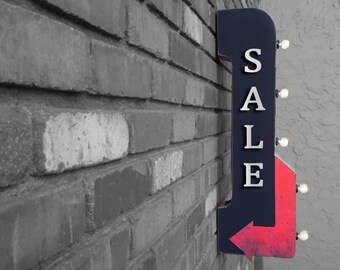 """On Sale! 30"""" SALE Metal Arrow Sign - Plugin or Battery Operated - Store Shop Discount Bogo Coupon - Double Sided Rustic Marquee Light Up"""