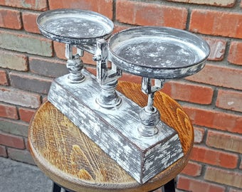 On Sale! - Charming Kitchen Food Scale - Rustic Vintage Antique Style Metal
