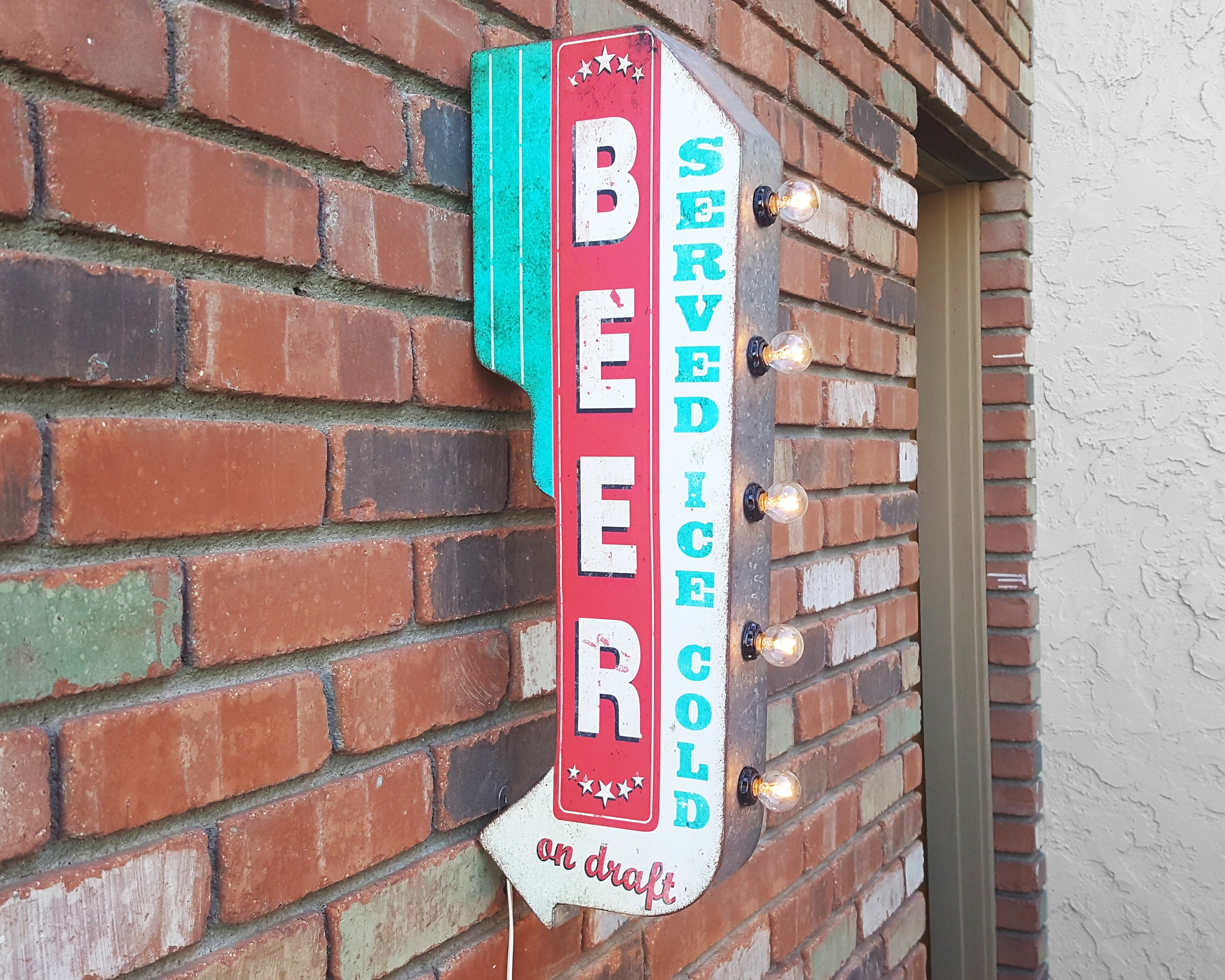 ICE COLD BEER METAL SIGN WITH LIGHTS BATERY OPERATED NEW