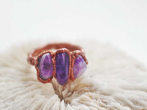 Amethyst crystal ring violet stone ring electroformed gemstone boho style dainty jewelry elegant copper ring vertical stackable rings