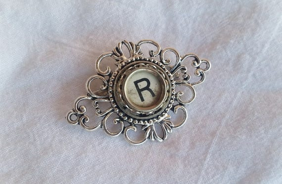 Steampunk Vintage Bronze Plated Old Fashioned Typewriter Brooch New in Gift Bag
