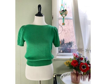 baae6d52b Vtg 1970s kelly green sweater with puffed sleeves   size small   Robert  Scott Ltd